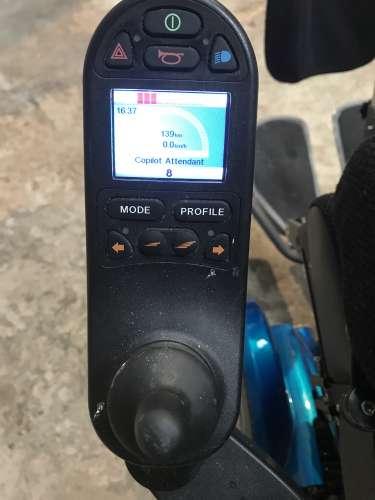 fauteuil roulant electrique commande