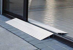rampe acces seuil de porte